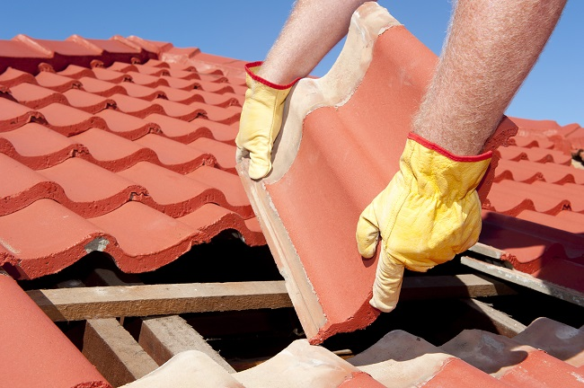 Clay Versus Concrete Tile Roofing